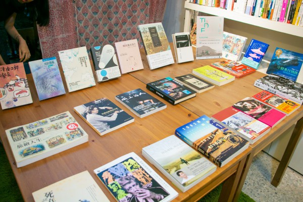咖啡時光:《未來的列車》@都蘭小洋房書店